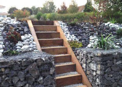 Gabions et escaliers